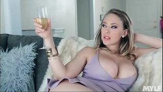 سمراء مطيزة بزازها ضخمة زوجها يشمطها زب جامد من ورا سكس عربي فيديو