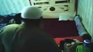 شيخ باكستاني سلفي ينيك شرموطة مقابل المال سكس عربي فيديو